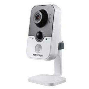 Hikvision DS-2CD2410F-IW(2.8 мм) 1Мп IP видеокамера с PIR датчиком